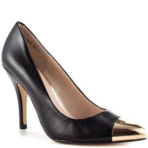 Chinese Laundry Danger Zone Gold Toe Heels NEW